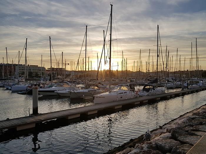 Marina de Lagos as the sun is setting