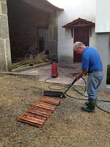 pressure washing tiles 6